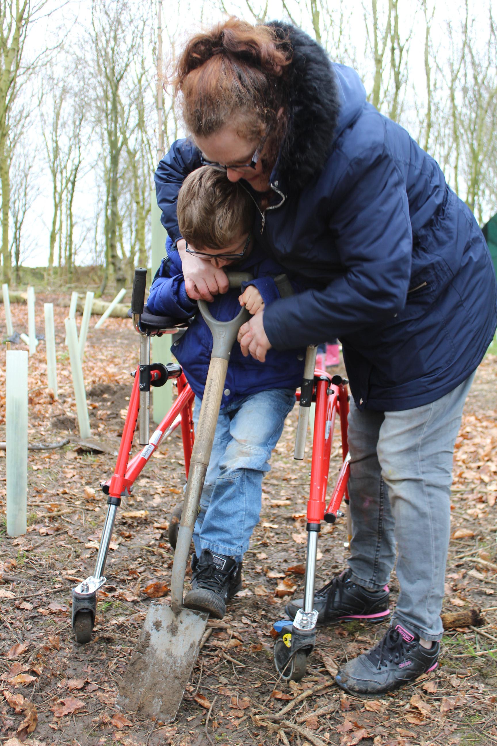 Family Tree Planting 04.04 (19)