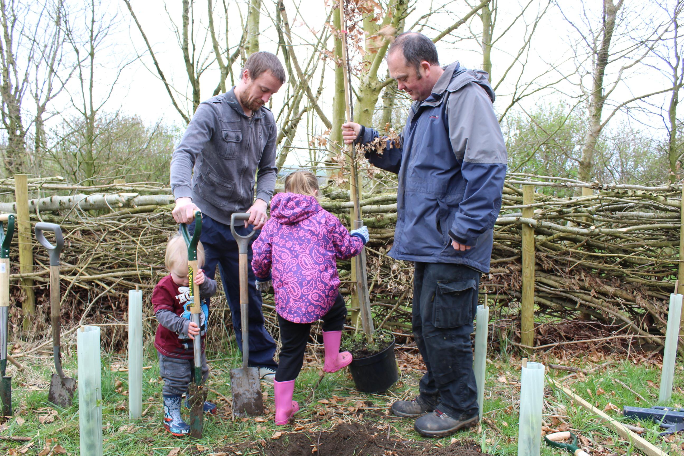 Family Tree Planting 05.04 (35)